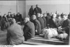 Foto Polonia - ghetto Varsavia - uomini in attesa