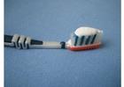Foto spazzolino con dentifricio